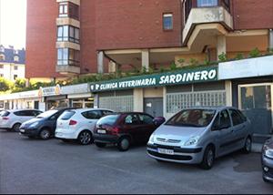 fachada clínica veterinaria Sardinero